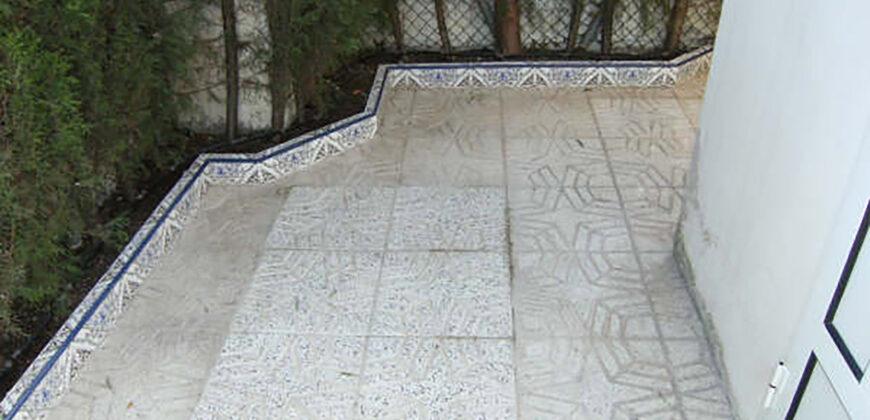 Los Narejos, chalet esquinero con solarium.