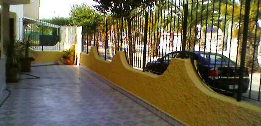 Los Alcázares, gran casa reformada